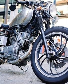Oświetlenie motocyklowe – zadbaj o swoją widoczność na drodze